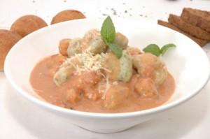 gnocchi -de-papa-y-espinaca-en-salsa-rosa